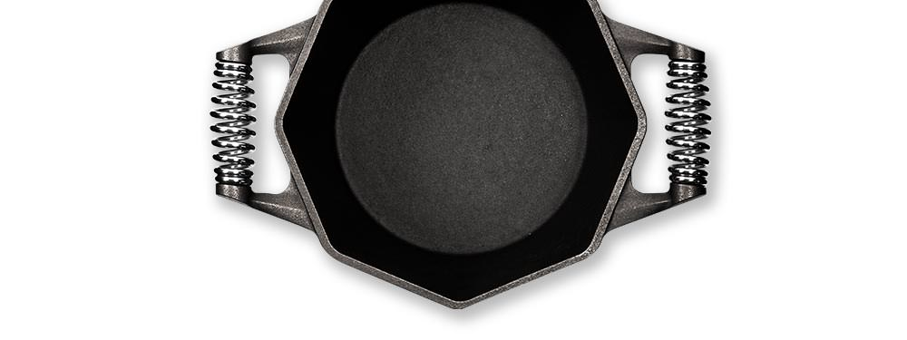 details-dutch-oven-polished-surface