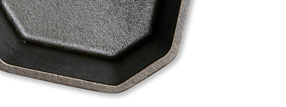 details-sauce-pot-heavy-gauge-cast-iron