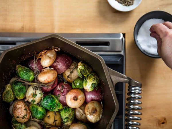 finex-cast-iron-dutch-oven-stoved-with-vegtables